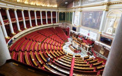 Les députés votent la création d'un statut pour les enfants de soignants morts du Covid-19