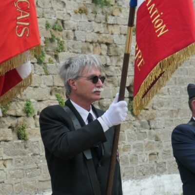 Le porte-drapeau FNAPOG ( Patrice)